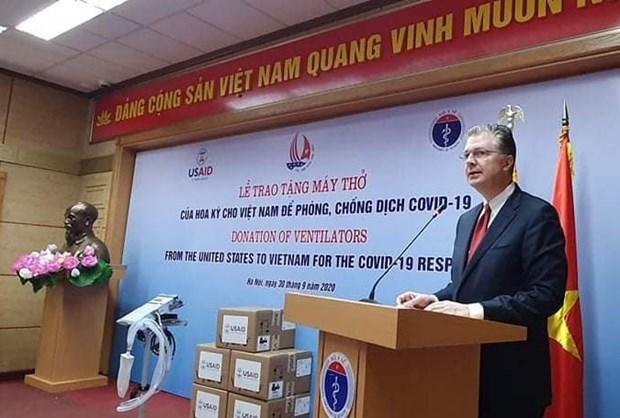US donates 100 brand-new ventilators to aid Vietnam's COVID-19 response hinh anh 1