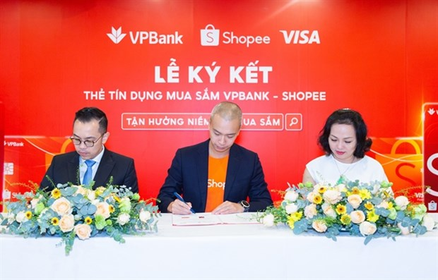First Shopee co-branded credit card launched hinh anh 1