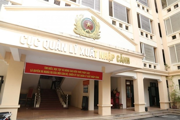 Free stay permit waivers extended until October 31 hinh anh 1