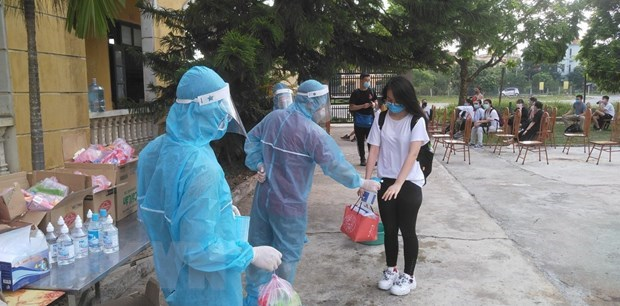 Vietnam sees no COVID-19 community infection in full month hinh anh 1