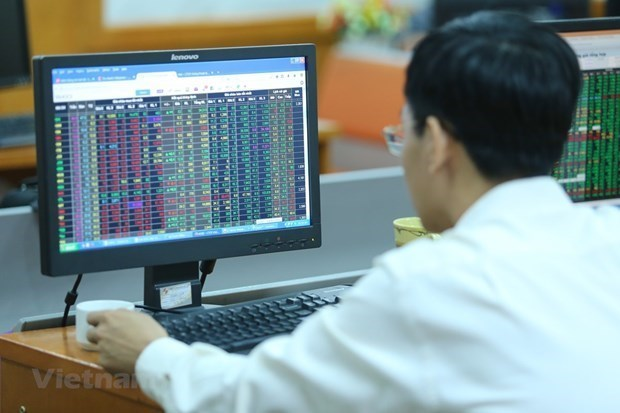 Brokerage firms record 71.8 million USD in trading profit hinh anh 1
