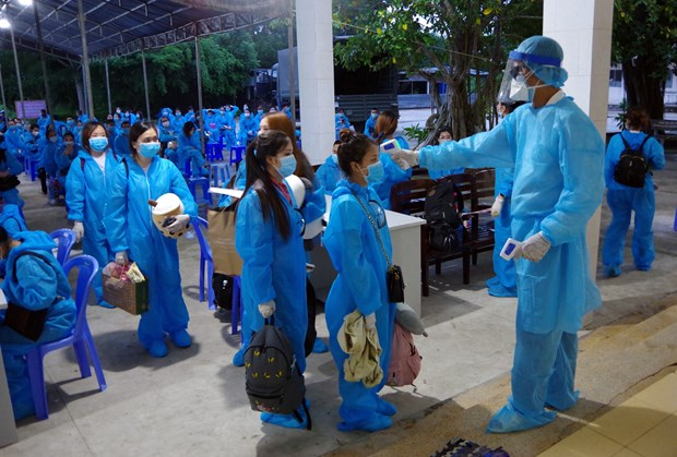 Over 240 Vietnamese citizens repatriated from Philippines hinh anh 1