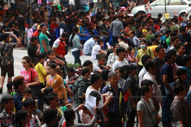 Thailand urges migrant workers to renew work permits hinh anh 1
