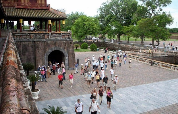 Tourists eager to resume domestic travel hinh anh 1