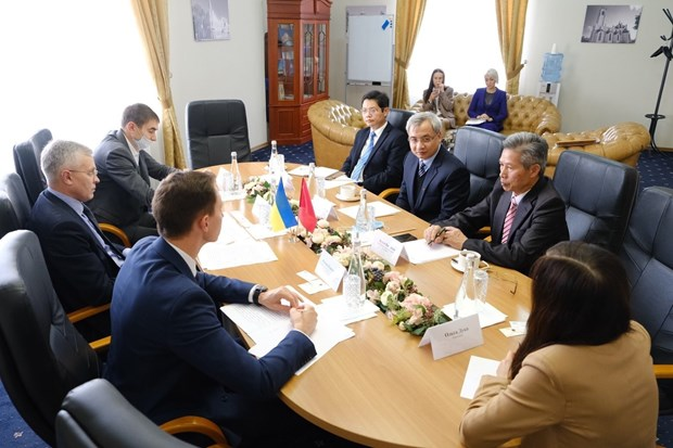 Vietnam seeks investment, business chances in Ukrainian province hinh anh 1