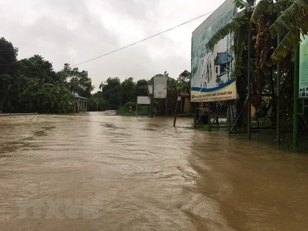 Red Cross Society supports the needy in flood-hit localities hinh anh 1