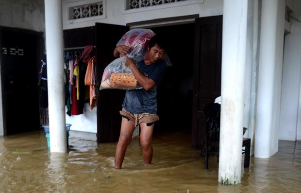 More efforts needed to tackle floods' impact, cope with Storm Nangka hinh anh 1