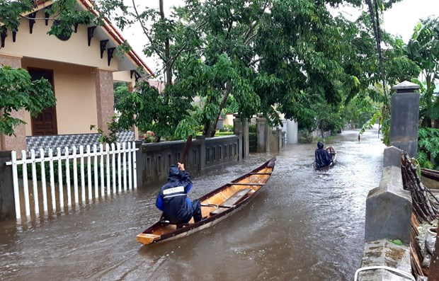 Floods leave six dead, three missing in Thua Thien-Hue hinh anh 1