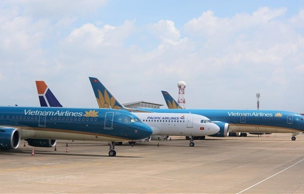 Airlines adjust schedules due to Storm Nangka hinh anh 1