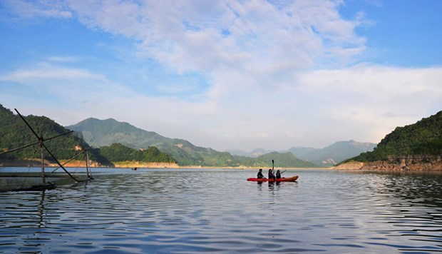 Hoa Binh lauches domestic tourism promotion programme hinh anh 1