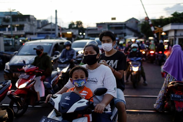 Indonesia, Philippines report surges in COVID-19 infections hinh anh 1