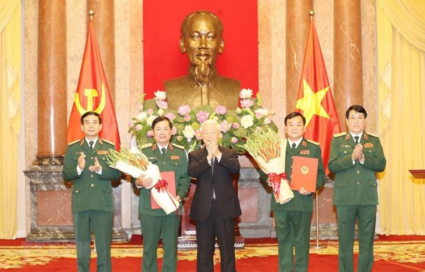 Military officers promoted to Senior Lieutenant General hinh anh 1