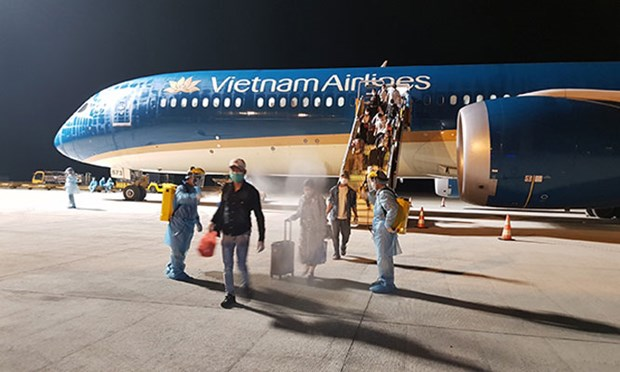 Vietnamese citizens brought home from Russia hinh anh 1