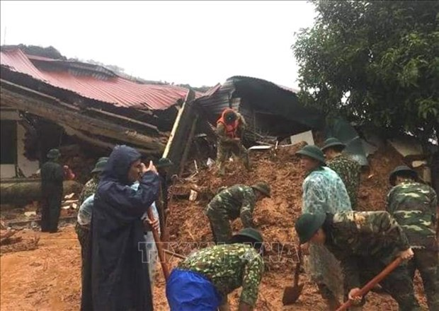 Bodies of 14 Quang Tri landslide victims found hinh anh 1