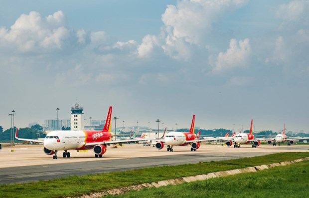 Vietjet offers 50 percent discount on all domestic routes hinh anh 1