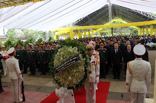 Memorial service for officials, soldiers killed by landslide in Thua Thien - Hue hinh anh 1