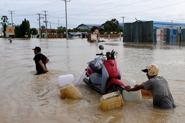 Vietnam offers sympathies to Cambodia on flood-caused losses hinh anh 1