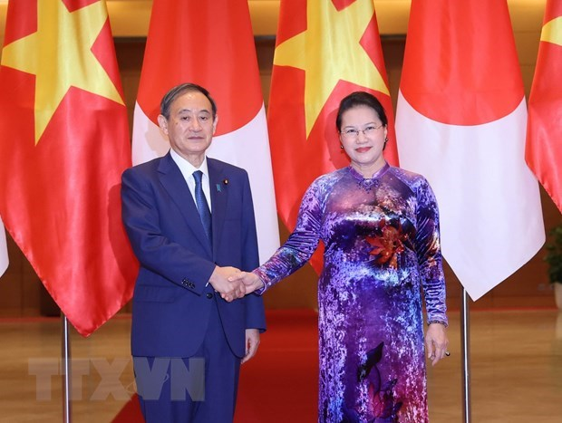 National Assembly Chairwoman meets Japanese Prime Minister hinh anh 1