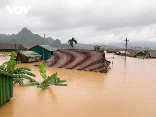 Central Laos suffers most serious flooding in 42 years hinh anh 1
