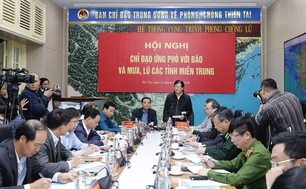 Localities asked to brace for upcoming storms, support flood-hit people hinh anh 1