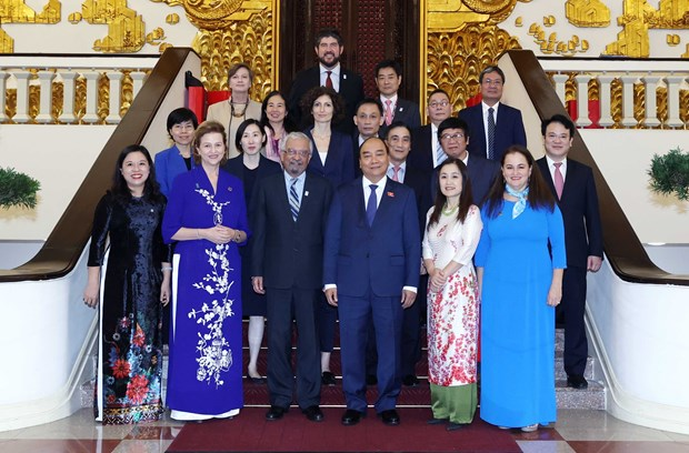 Prime Minister welcomes UN officials in Vietnam hinh anh 1