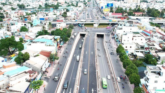 HCM City aims to reduce traffic accident hotspots hinh anh 1