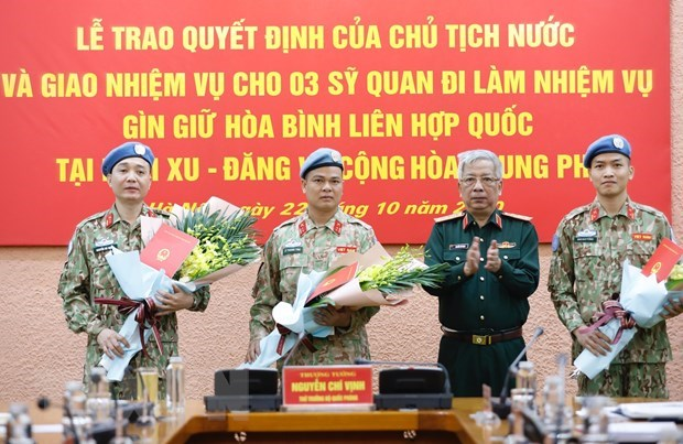 Three more Vietnamese officers to join UN peacekeeping missions hinh anh 1