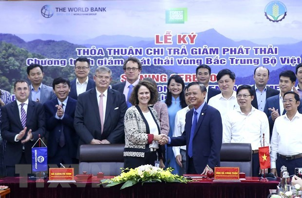 Vietnam, WB sign emissions reduction purchase agreement hinh anh 1