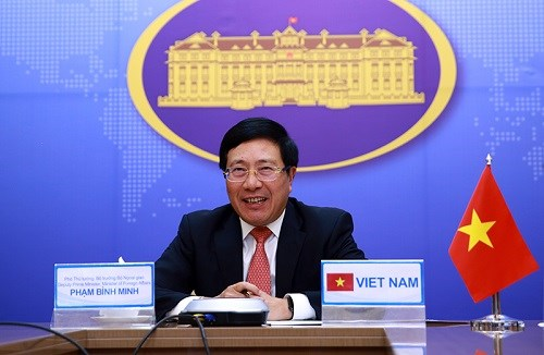 Vietnamese, Malaysian foreign ministers hold virtual talks hinh anh 1