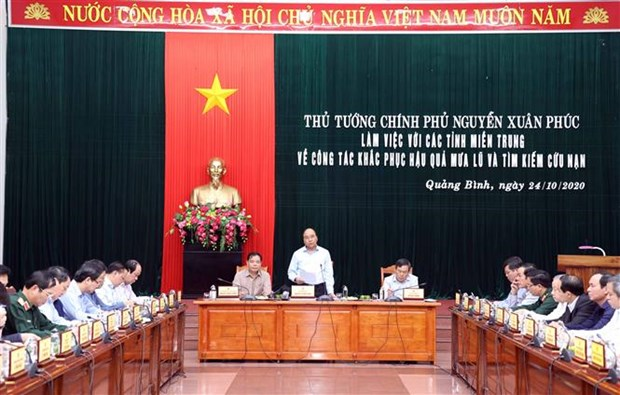 PM inspects post-flood recovery in central region hinh anh 1