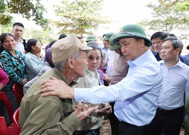 PM inspects post-flood recovery in central region hinh anh 2