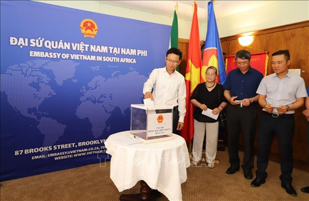 Laos: Requiem held for people killed in flooding in central Vietnam hinh anh 3