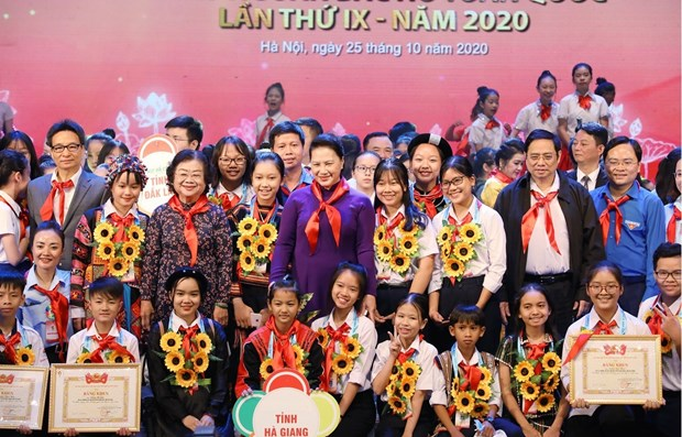 Outstanding children honoured at Hanoi ceremony hinh anh 1