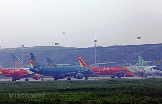 Storm Molave sees airports shut down in central region hinh anh 1