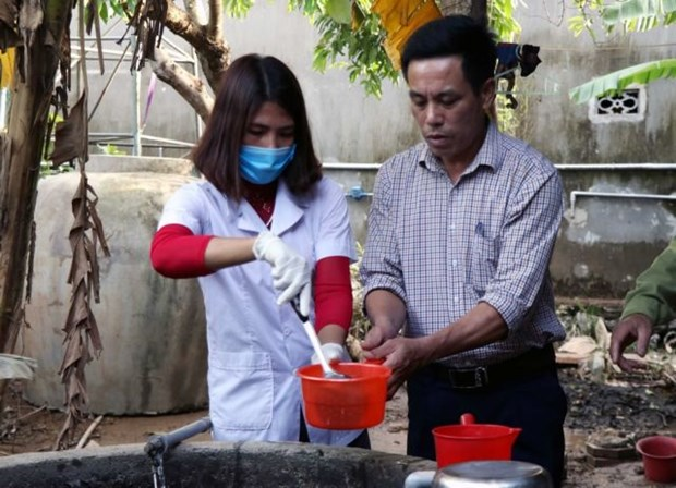 Health Ministry tightens management of medical waste during floods hinh anh 1