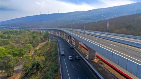 Thai gov't to accelerate North-Eastern traffic infrastructure construction hinh anh 1