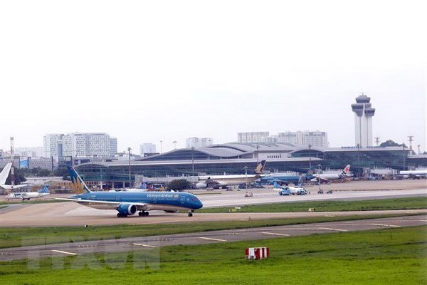Vietnam Airlines Group further adjusts flight schedules hinh anh 1