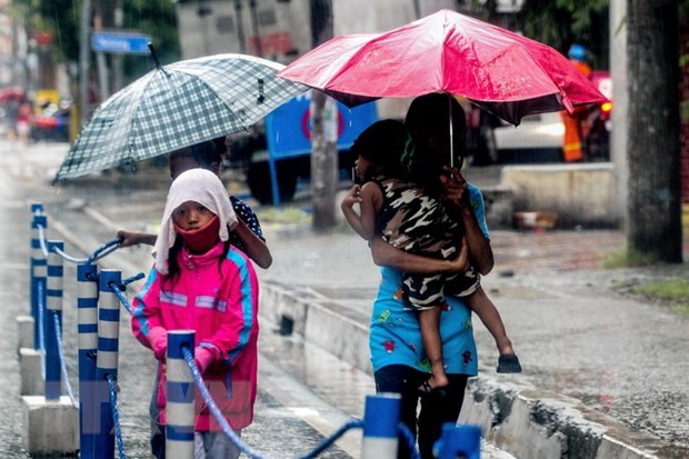 Philippines braces for approaching storm hinh anh 1