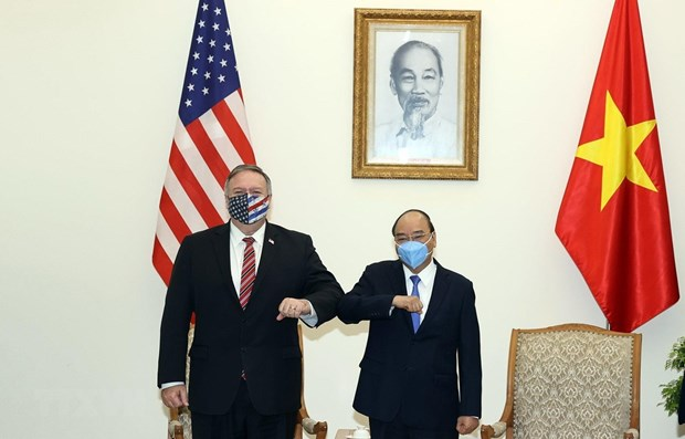 Prime Minister Nguyen Xuan Phuc hosts US Secretary of State hinh anh 1