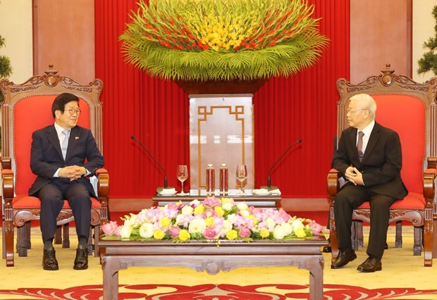 Top leader receives visiting speaker of RoK's parliament hinh anh 1