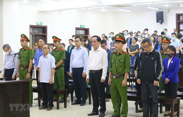 Two former BIDV Deputy General Directors face jail terms totaling 14 and a half years hinh anh 1