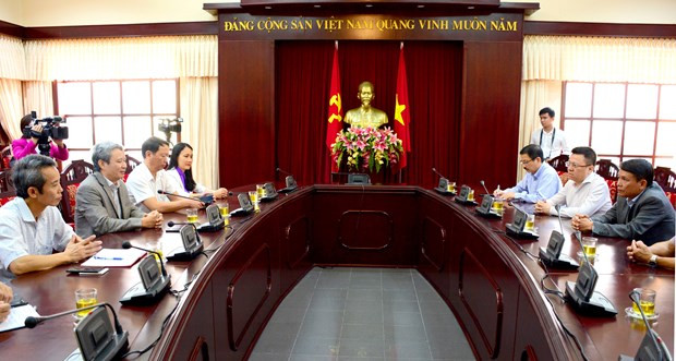 VNA helps flood-hit people in Thua Thien-Hue hinh anh 1