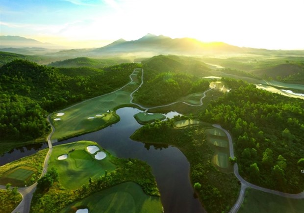 Ba Na Hills Golf Club wins two prizes at World Golf Awards hinh anh 1