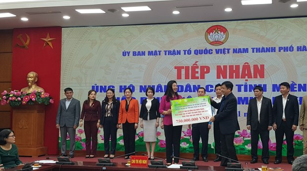 More donations from Hanoi for flood victims in central region hinh anh 1