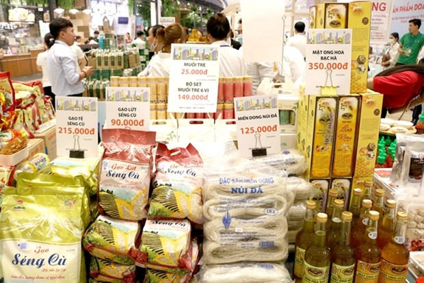 Vietnamese products' consumption promoted through global AEON system hinh anh 1