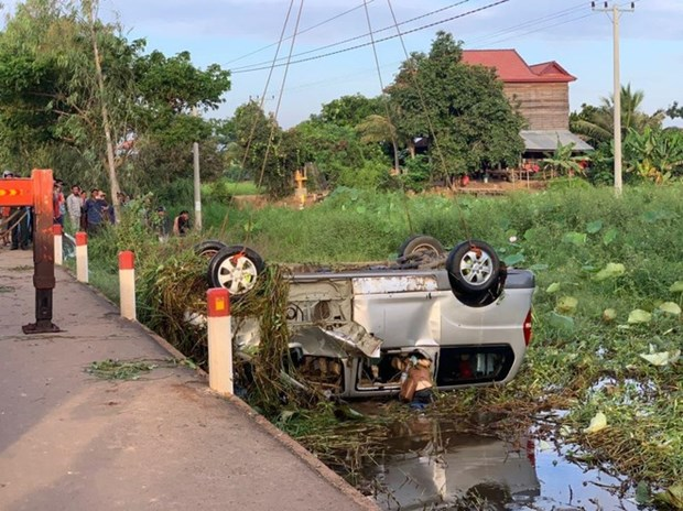 Six Vietnamese killed in traffic accident in Cambodia hinh anh 1