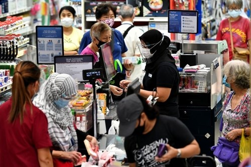 Singapore's retail sales continue to drop hinh anh 1