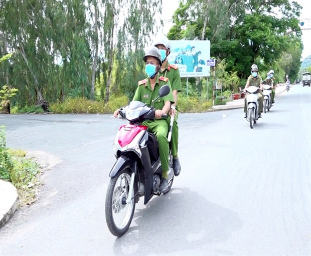 An Giang sees less crime thanks to regular police force hinh anh 1