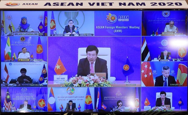 Indonesian expert has high expectation for 37th ASEAN Summit, related meetings hinh anh 1