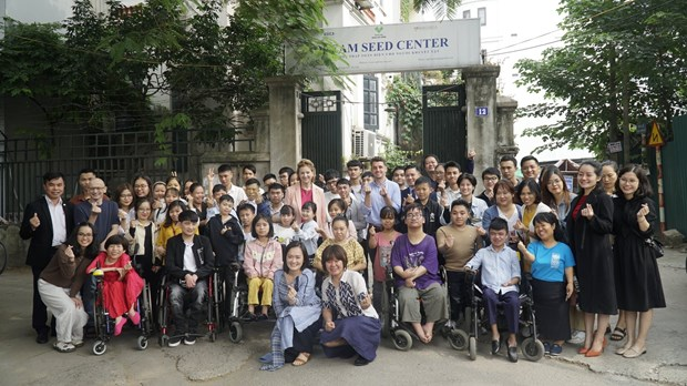 People living with disabilities get digital skill support hinh anh 1